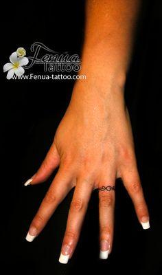 tatouage bague doigt 1461898115215