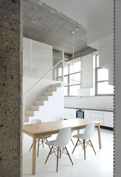 The creative Loft FOR renovation by adn Architecture demonstrates a modular, multidimensional solution. Two metallic structures flank the Minimalist Architecture, Minimalist Interior, Interior Architecture, Interior Minimalista, Apartment Interior Design, Interior Decorating, Decorating Ideas, Sofa Lounge, Appartement Design
