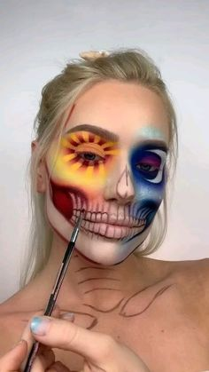 Halloween Makeup Idea – Make-up ideen Makeup Eye Looks, Eye Makeup Art, Crazy Makeup, Cute Makeup, Makeup Eyes, Clown Makeup, Fairy Makeup, Sfx Makeup, Mermaid Makeup