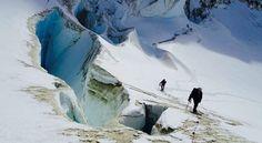 Col del Viento en Monte Tronador, Bariloche, Argentina. Conocido como el Col del Viento, por ser un pasaje continuo de los fuertes vientos...
