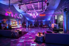 Disco Wedding After Party with Mindy Weiss, Mark's Garden, Revelry Event Design Vegas Party, 70s Party, Neon Party, Disco Party Decorations, Quinceanera Decorations, Roller Disco, Roller Rink, Neon Azul, Karaoke