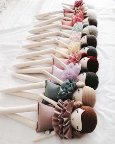 "Polubienia: 877, komentarze: 70 – Little Miss Tippy Toes (@little_miss_tippy_toes) na Instagramie: ""Progressing, slowly getting there. Let the dressing begin xx #littlemisstippytoes #newrelease…"""