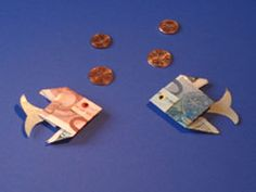 Geldscheine falten - Geldfische - deutsche Bildanleitung