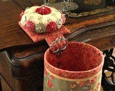 THREAD CATCHER - Handmade with Detachable Pincushion