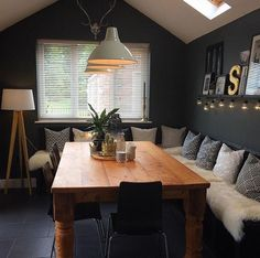 Sitzecke in 2019 Small Sitting Rooms, Bedroom Sitting Room, Cosy Home Decor, Home Decor Kitchen, Dining Room Design, Dining Room Table, Cosy Dining Room, Deco Cool, Living Room Inspiration