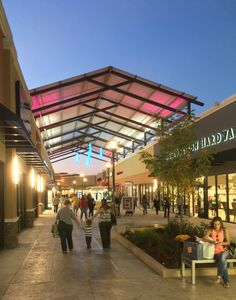 The concourse of the Outlets of Little Rock, designed by HFA's Boston team.