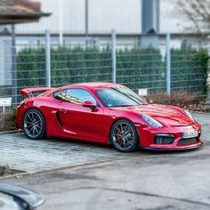Porsche Cayman GT4: