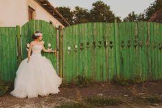 DIY Countryside Wedding in Transylvania: Anda & Paul