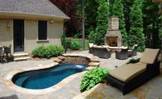 Nice small wade pool and deck area.