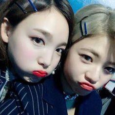 K Pop, South Korean Girls, Korean Girl Groups, Knock Knock, Twice Korean, Twice Jungyeon, Nayeon Twice, Minatozaki Sana, Im Nayeon
