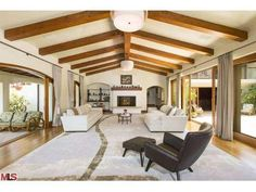 Bruce Willis's Former Beverly Hills $18 Million Residence