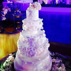 Boda de Friné y James en Westin Playa Bonita #weddingspanama #weddings #white #fondant #fiestaspanama #sugar @westinpanama www.delicatessepostres.com Fondant, Sugar, Weddings, Cake, Desserts, Food, Fiestas, Deserts, Tailgate Desserts
