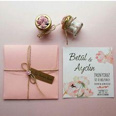 Pembe çiçekli düğün davetiyesi www.lizadavetiye.com