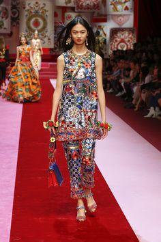 Dolce & Gabbana Summer 2018 Womenswear