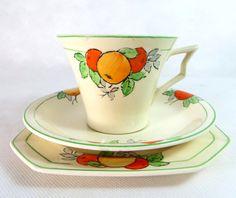 Art Deco Trio, Midwinter Porcelon Handpainted Oranges and Lemons Cup, Teaplate & Saucer Set, 1930s