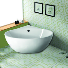 The Saia Corner Tub delivers spa-like style with its freestanding form, providing you with luxurious flair when space is limited. Wet Room Bathroom, Corner Tub, Free Standing Bath Tub, Bathroom Renovations, Small Bathroom With Shower, Small Bathtub, Corner Bathtub Shower, Bathroom Design, Bathtub