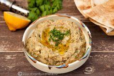 APERITIVE SI GUSTARI DE POST   Diva in bucatarie Lebanese Recipes, Vegan Recipes, Romanian Food, Hummus, Recipies, Deserts, Food And Drink, Party, Ethnic Recipes