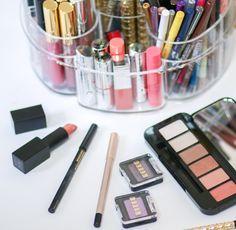 makeup-organization-ideas-caboodles-7449