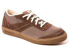 Les sneakers 901 Marron 26 sont des baskets en toile + cuir, unisexes, entièrement fabriquées à Romans-sur-Isère dans la Drôme.  Nous avons dessiné une chaussureurbaine, confortable, (...)