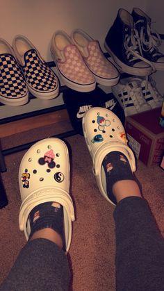 5 sneakers that will never go out of style Cute Shoes Heels, Crocs Shoes, Vans Shoes, Me Too Shoes, Women's Crocs, Disney Crocs, Crocs Fashion, Croc Charms, Crocs Classic