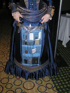 Steampunk skirt pockets. Genius idea! Hide them under front apron panel!