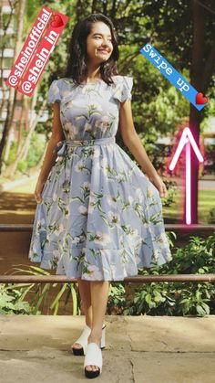 #tabassum ara Indian Gowns Dresses, Indian Fashion Dresses, Girls Fashion Clothes, Simple Frock Design, Girls Frock Design, Frocks For Teenager, Frocks For Girls, Frock For Teens, Frock For Women