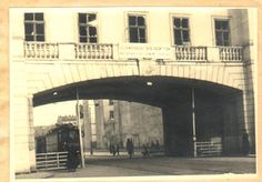 Warsaw 1920; street crossing under the Supreme Court building