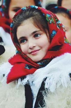 Girl from Maramures, Romania - Maramureș es un distrito (județ) ubicado en la zona septentrional de Rumania, en la región de Transilvania.