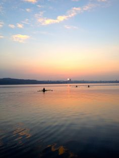 rowingisthebestwaytofly:rowing in the morning with my friends ll 1x
