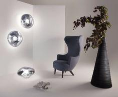 <p>Wingback est une série de classiques britanniques remastérisés. Cette collection inclut une chaise, une chaise de salle à manger, des canapés et un repose-pieds. Tous ces modèles sont disponibles en une large gamme de couleurs et de tissus Kvadrat, les pieds des chaises étant en chêne brut ou noir massif ou en acier plaqué cuivre.</p>