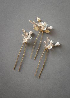 Petite Pins_Blush and pale gold floral hair pins 3 Wedding Hair Pins, Wedding Hair Flowers, Headpiece Wedding, Flowers In Hair, Wedding Veils, Bridal Headpieces, Bridal Jewelry Sets, Bridal Accessories, Wedding Jewelry