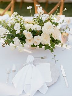 La Tavola Fine Linen Rental: Tuscany Ocean with Tuscany White Napkins and Chair Cushions | Photography: Bryan N. Miller Photography, Design & Florals: Carla Kayes Floral Design, Venue: Temecula Creek Inn, Tabletop: The Ark Event Rentals and To Be Designed