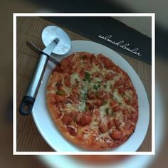 Pizza recipe by Salmah Dendar posted on 07 May 2019 . Recipe has a rating of by 1 members and the recipe belongs in the Pastas, Pizzas recipes category Stuffed Green Peppers, Red Peppers, Stuffed Mushrooms, Crushed Red Pepper, Garlic Paste, Food Categories, Melted Cheese, Pizza Recipes, Pizza