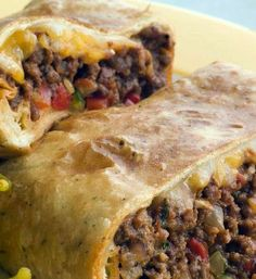 Skinny Chimichangas ~ This is an excellent low fat chimchangas recipe. It is baked, instead of deep-fried. The burrito comes out crispy with a moist and flavorful filling