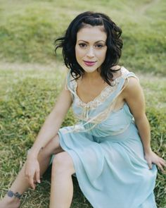 Charmed Season Five - Alyssa Milano - Phoebe Halliwell