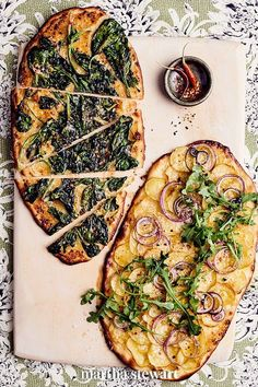 You can also go vegetarian and gild with curly-leaf spinach (which gets soft in the middle and crispy, like kale chips, on the edges), or potato and red onion. For extra jolts of flavor, scatter fiery red-pepper flakes or pleasantly bitter arugula on top after the pizza is baked. #marthastewart #recipes #recipeideas #grilling #grillingideas #bbq #summerrecipes Pizza Stromboli, Summer Recipes, Great Recipes, Romans Pizza, Great Pizza, Thin Crust Pizza, Going Vegetarian, How To Make Pizza, Recipe For 4