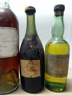 A vintage 1940's Yellow #Chartreuse during a @FrancoisAudouze dinner with Vin de Chypre 1845 and Yquem 1888