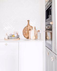 Vriendinnetje #partnersincrime @sabine_wentink_burkunk schiet zomaar ff dit lekkere plaatje vanmorgen in onze keuken!! #fotografie…