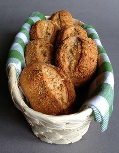 Bułki pszenno-orkiszowe z parmezanem i oregano