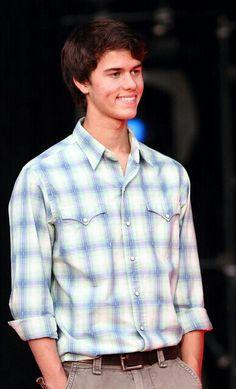 John Luke Robertson<3 He's cute<3 Like this is you like John Luke!:)