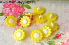 30 Pcs Yellow Flower Buttons - Lemon Flower Shank Button - 15mm Buttons