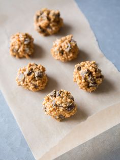 21. Protein Bites #highprotein #snacks http://greatist.com/health/high-protein-snacks-portable