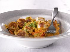Makkarapata Bratwurst, Thai Red Curry, Chicken, Meat, Ethnic Recipes, Food, Essen, Meals, Yemek