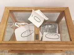 Noritake in Taiwan Bread Packaging, Fondant Tutorial, Noritake, Cute Illustration, Good Job, Bath Caddy, Taiwan, Aesthetics, Drawing