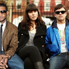 "Usher and Sleigh Bells Mashup - ""Oh My Kids"" - http://somemashups.com/usher-sleigh-bells-mashup-oh-kids/"