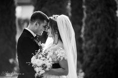 Wedding photos ideas posing Fotograf de nunta botez  Mihai Nicoara Cluj Napoca Suceava Romania Sedinte foto Evenimente private Bride Poses, Groom Poses, Wedding Bride, Wedding Day, Wedding Dresses, Photo Sessions, Ideas, Fashion, Photos