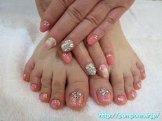 It is a foot and hand nail glitter of spring. Pale floral design, to create a finger of stone fill, I decided to glitter hand. I repeat lame pink base, I decorated in stone of crystal foot nail. Foot Pedicure, Pedicure Nail Art, Toe Nail Art, Manicure, Pedicure Designs, Toe Nail Designs, Feet Nail Design, Nail Picking, Painted Toes