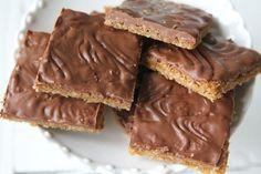 Brownies Caramel, Fudge Brownies, Swedish Cookies, Sweet Cookies, Yummy Treats, Sweet Treats, Yummy Food, Bagan, Cream Cheese Flan