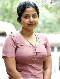 Beautiful Girl Indian, Beautiful Girl Image, Beautiful Birds, Beautiful Women, Beautiful Bollywood Actress, Indian Beauty Saree, India Beauty, Cool Girl, Simple Girl