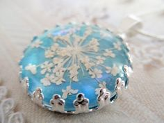 Queen Anne's Lace Beneath Glass by giftforallseasons on Etsy